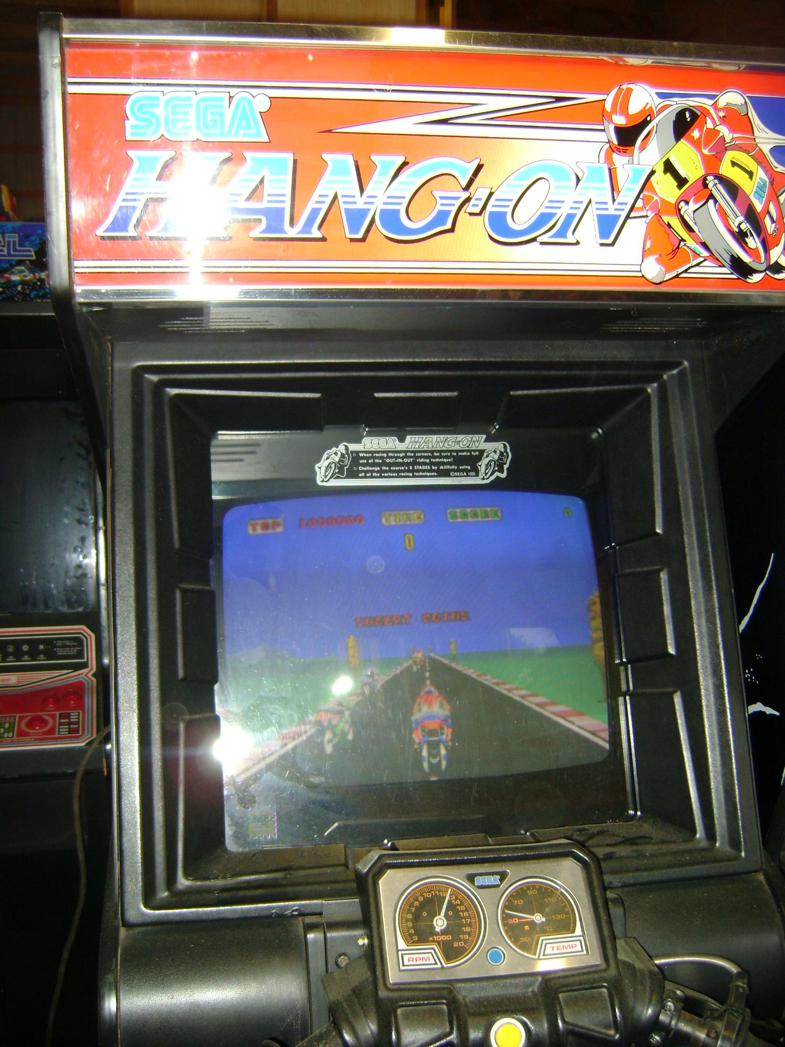 hang on arcade machine